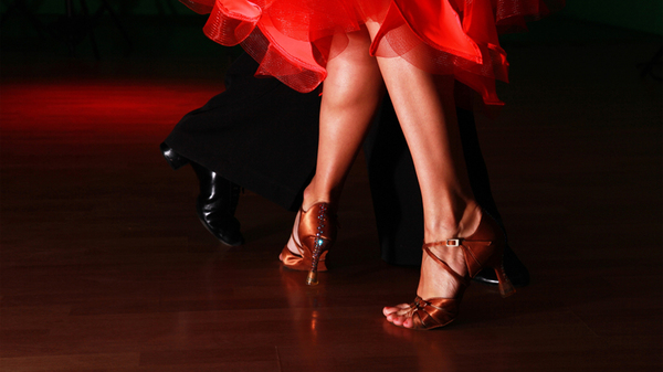社交ダンスはポイントを知れば上達が早い! うまく踊れるコツを教えます